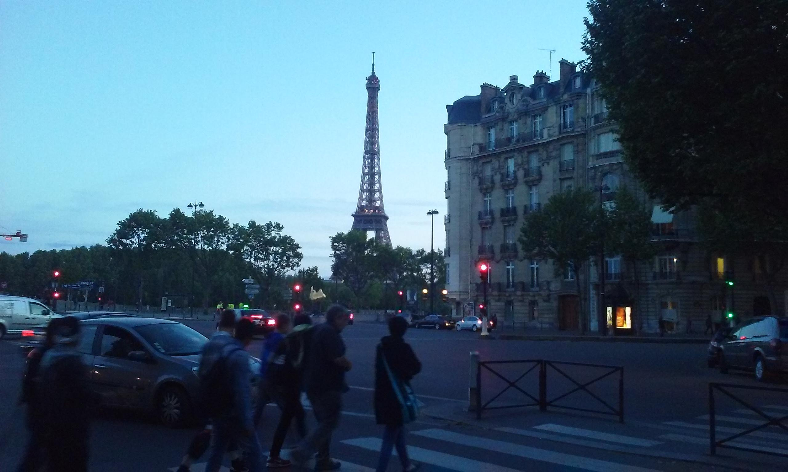 There are several nice cafes near the Eiffel Tower and the neighborhood has a great selec