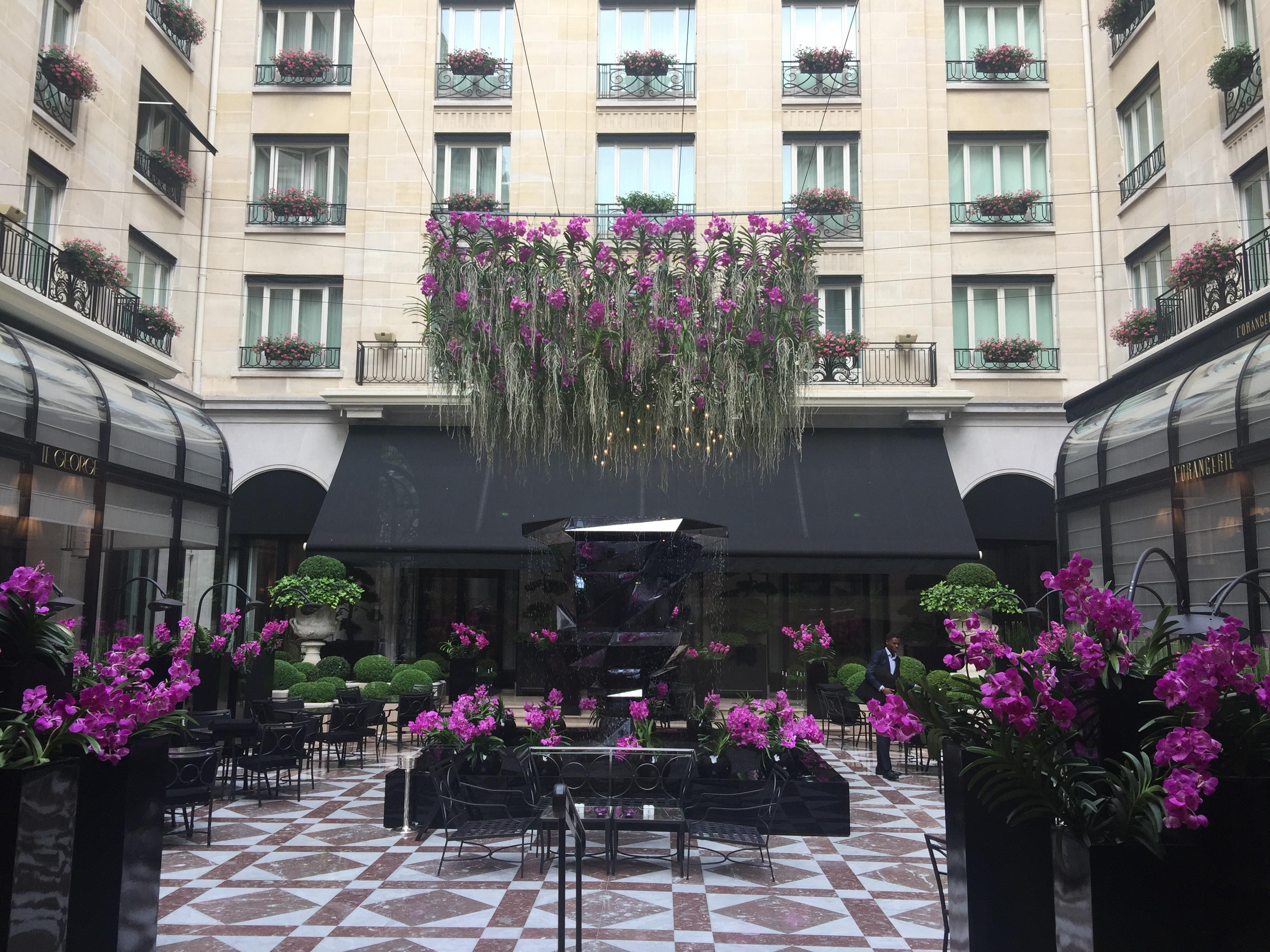 Four Seasons Paris open WiFi