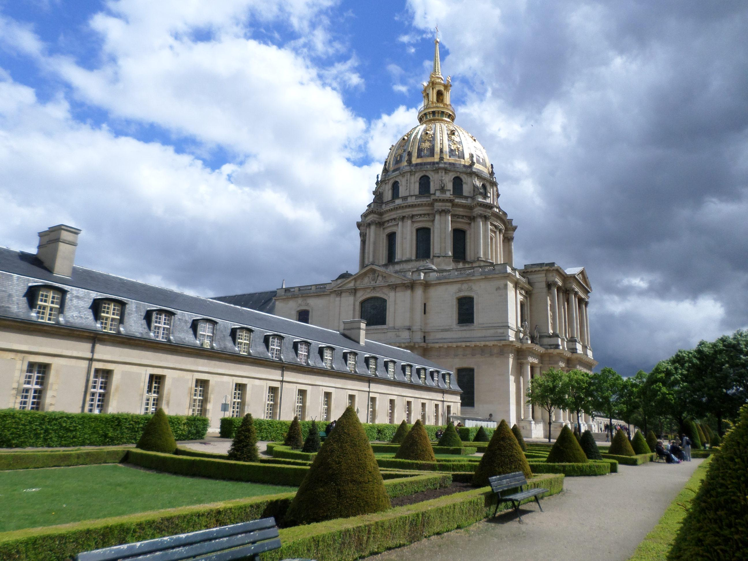 The gardens outside Napoleon's Tomb. The garden is open to the public.